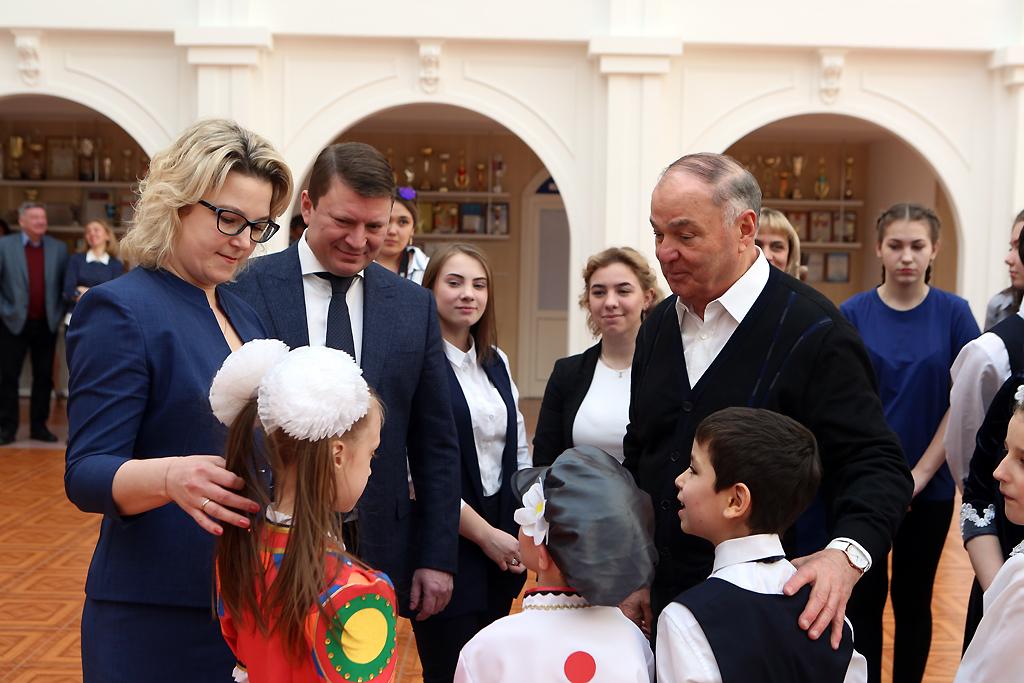 В Красноярск прилетел Хазрет Совмен