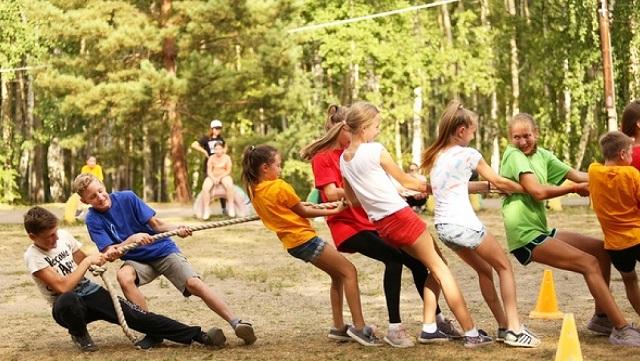 Более 40 тысяч школьников Красноярска смогут полноценно отдохнуть летом