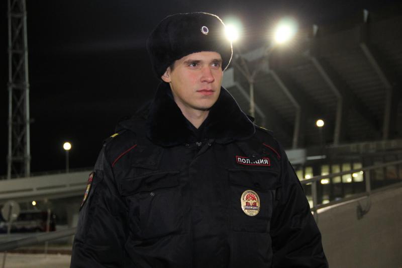 Росгвардия, казаки и полицейские будут охранять покой граждан в новогодние праздники