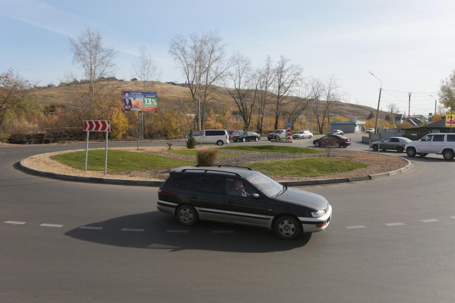 Декорирование дорожных развязок проверил сегодня мэр Красноярска