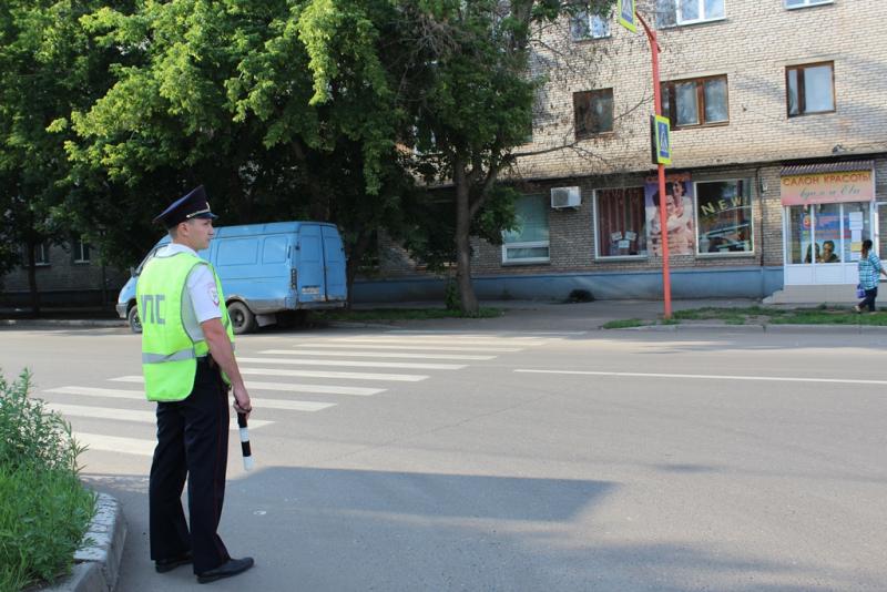 Красноярские полицейские усилят патрулирование пешеходных переходов