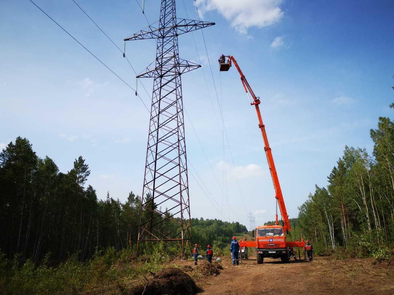 В Красноярском крае восстанавливают повреждённую взрывами ЛЭП