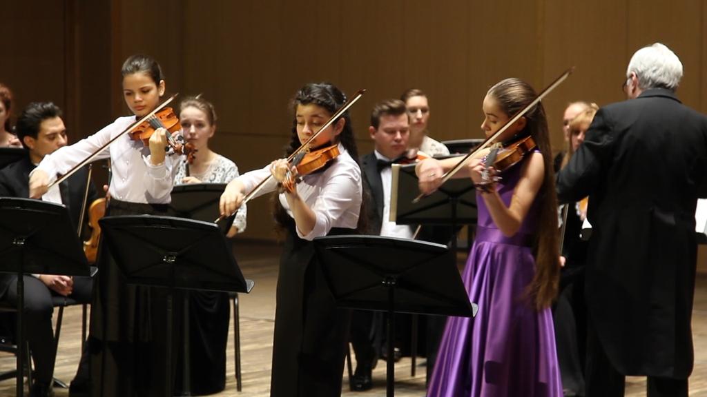 Три юные скрипачки из Красноярска стали лауреатами Всероссийского конкурса музыкантов-струнников