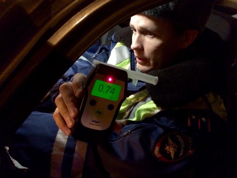 В Новогоднюю ночь красноярских водителей проверят на трезвость