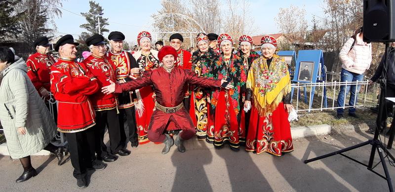 Красноярцы отпраздновали день рождения Прасковьи Суриковой