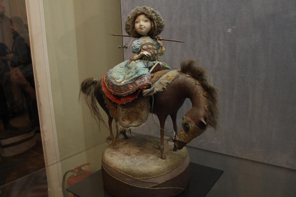 В Красноярске открылась выставка скульптур Даши Намдакова