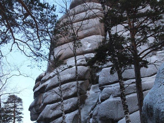 В Красноярске на чемпионате России со скалы сорвался альпинист