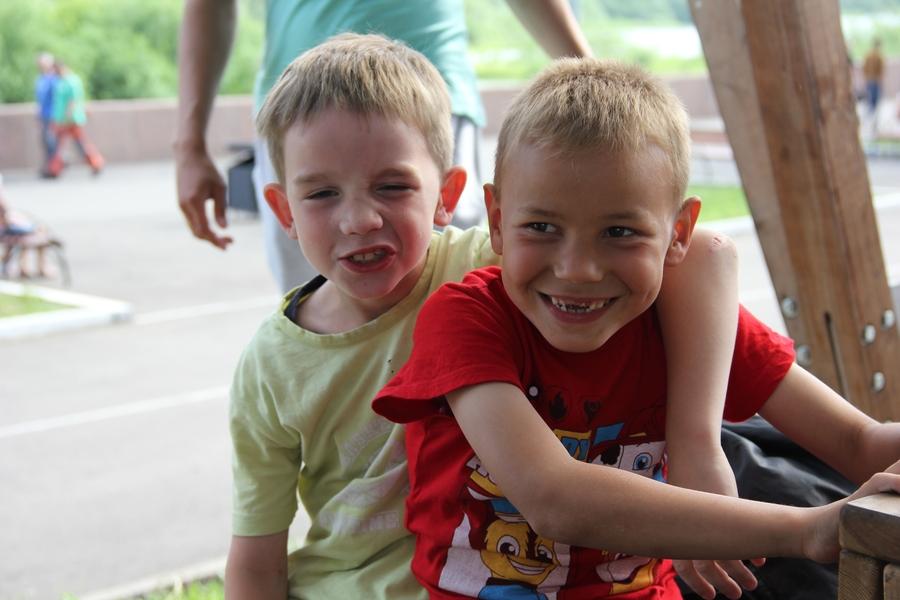 Для детей и родителей: рассказываем о летних проектах красноярских спортклубов и школ