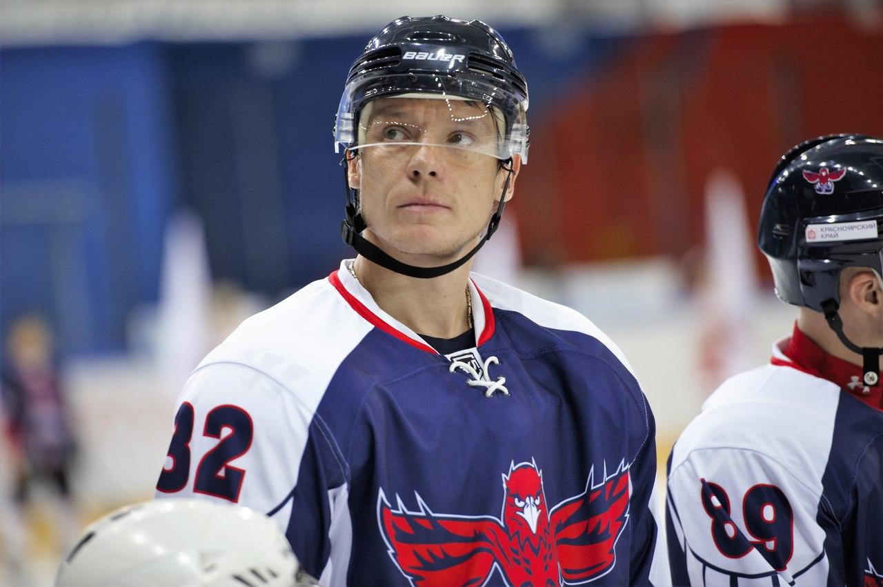 Красноярск: свадьба хоккеиста Александра Семина и горящие