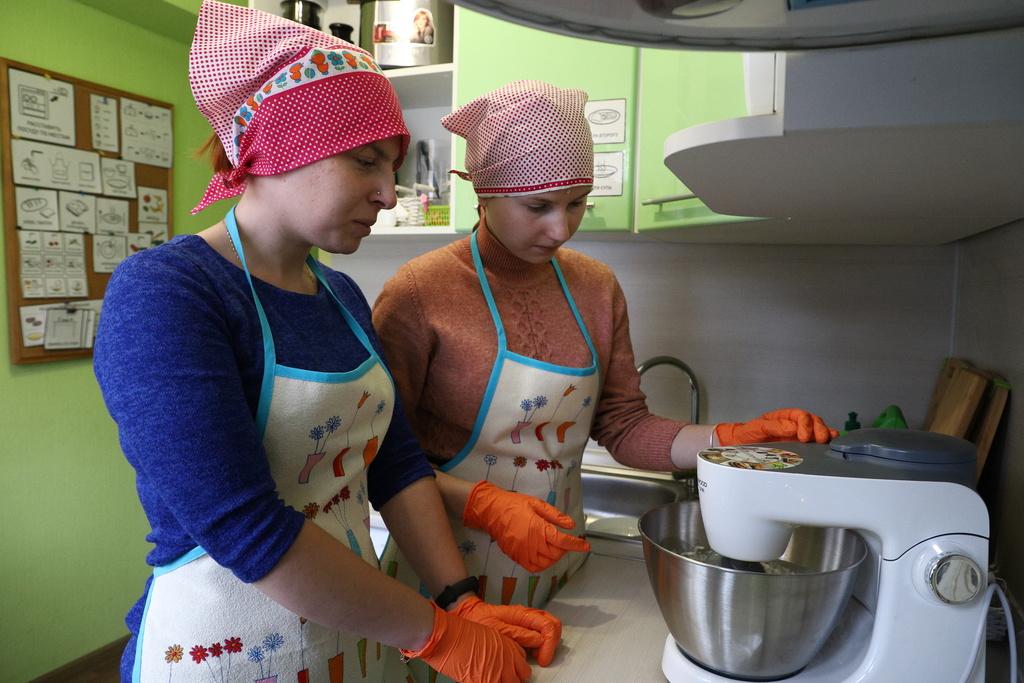 Для подростков-инвалидов в Кировском районе открыли «учебную» квартиру