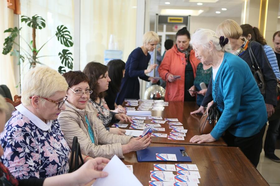 Красноярские общественные контролёры получили «паспорта»