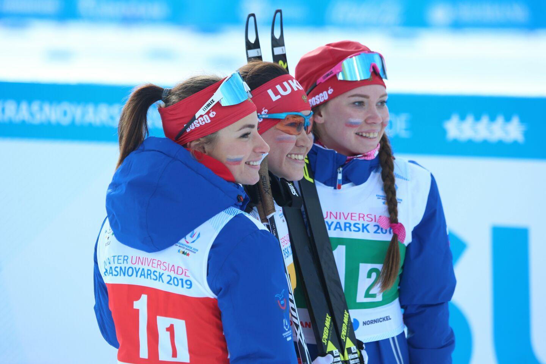 В женской эстафете на универсиаде выиграли россиянки