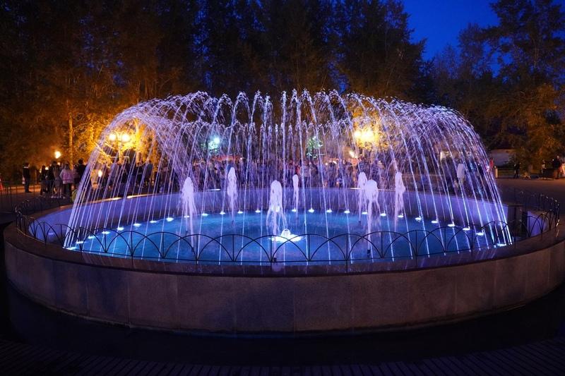 Красноярцев пригласили полюбоваться светомузыкальным фонтаном на правом берегу