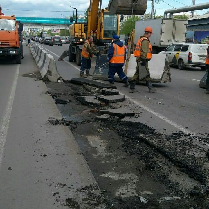 В Советском районе Красноярска частично перекрыли дорогу