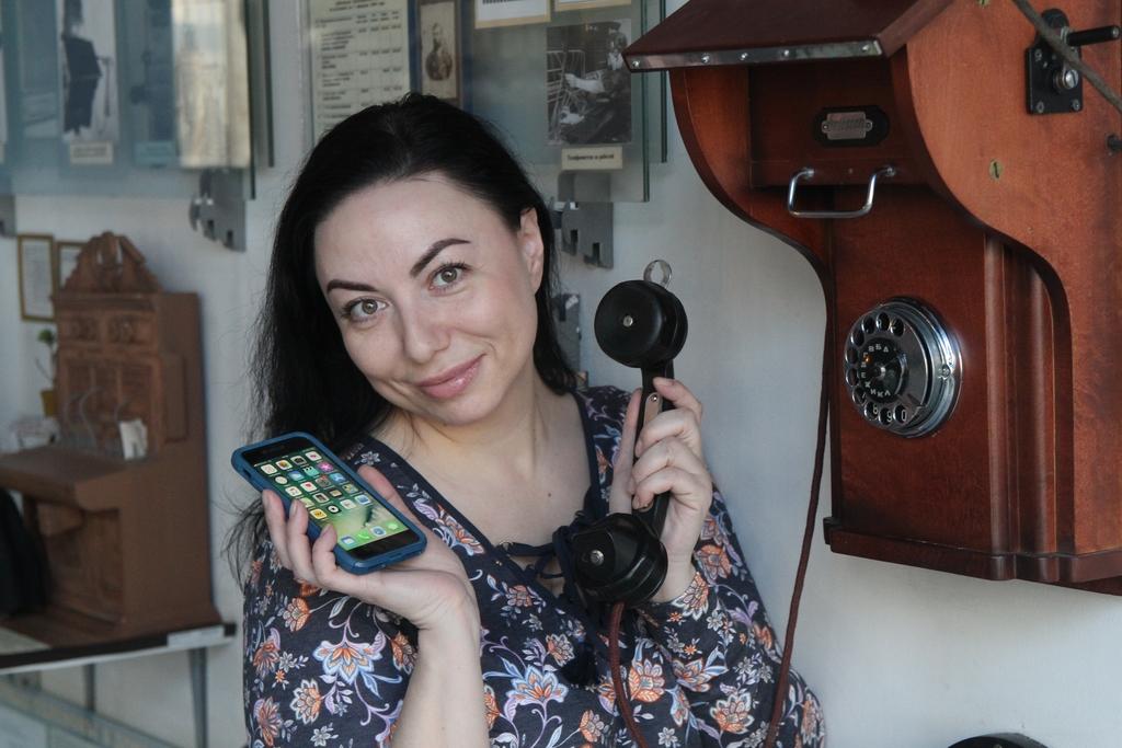 Эволюция телефона: от мини-станции до смартфона