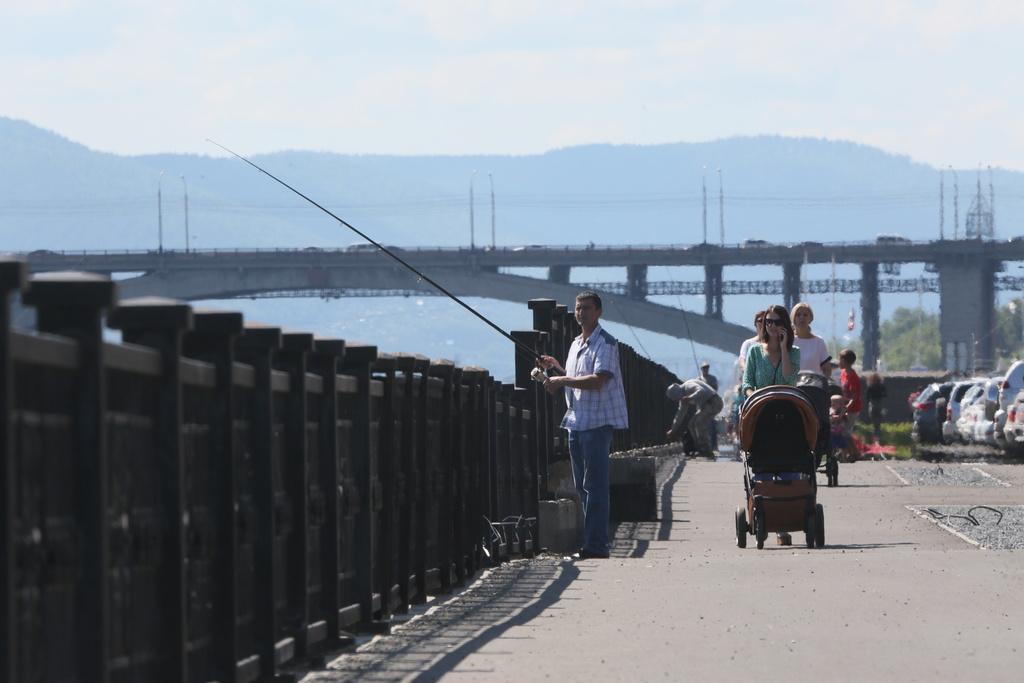 В Красноярске завершается благоустройство набережной на левом берегу