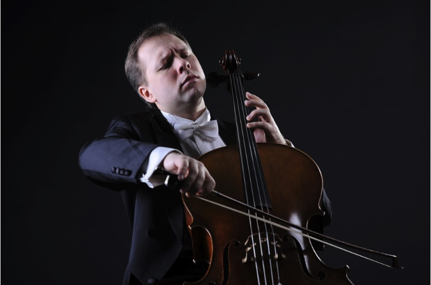 Красноярцев пригласили на концерт Алексея Жилина