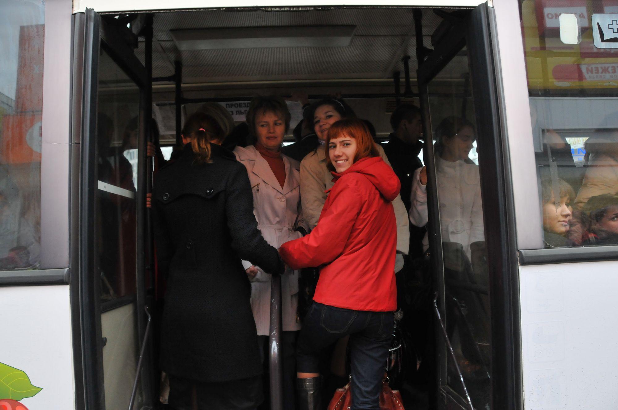 В Красноярске дачные автобусы переходят на осенние расписание