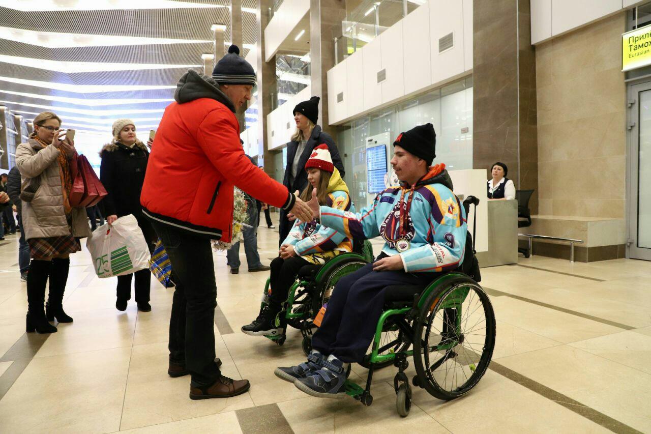 В Красноярск с победой вернулись следж-хоккеисты из «Красной молнии»