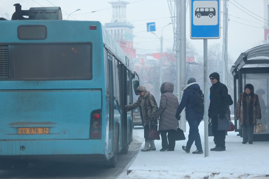 Пять автобусных маршрутов Красноярска пережили морозы