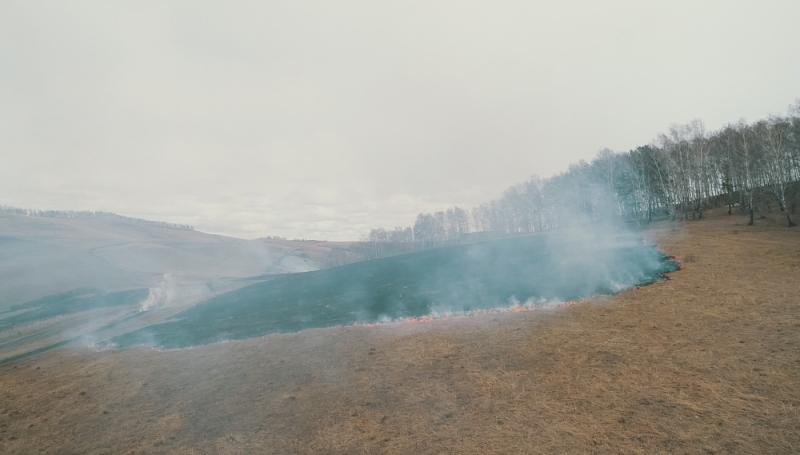 Красноярские спасатели следят за пожароопасной обстановкой с земли, воды и с воздуха