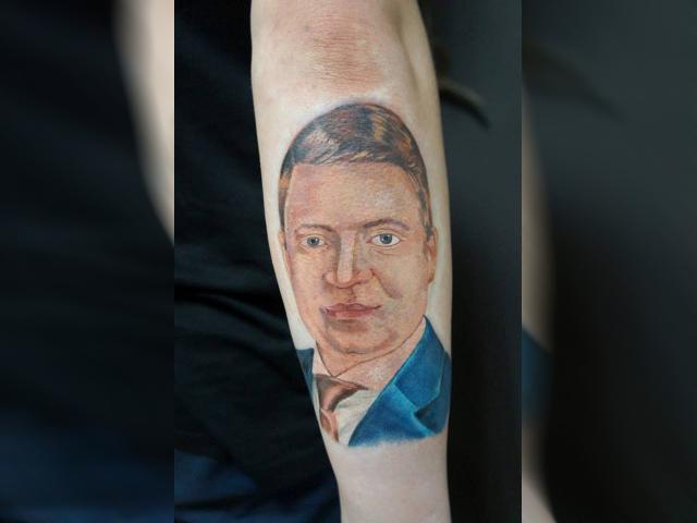 Мэр Красноярска прокомментировал тату со своим портретом