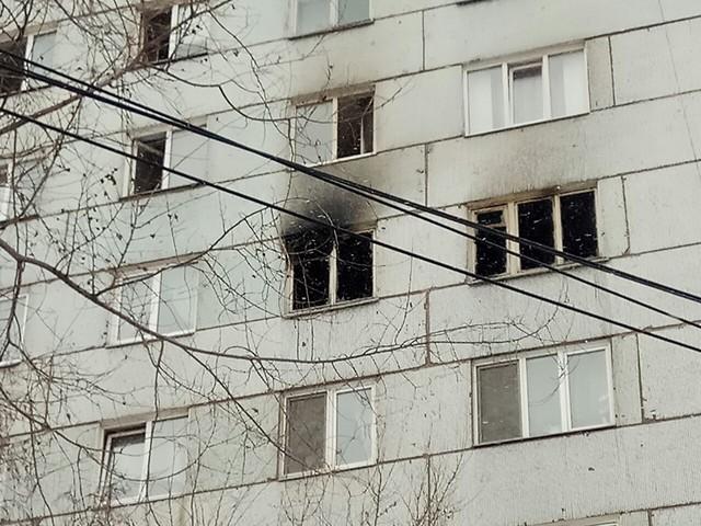 В Красноярске напротив администрации Советского района горит девятиэтажка