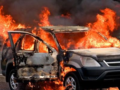 В Красноярске полицейский спас женщину из горящей машины