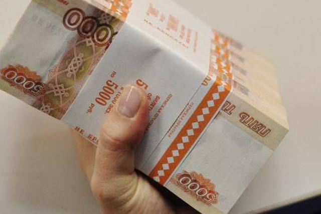 Пристава из Красноярска обвинили в присвоении 100 тысяч рублей