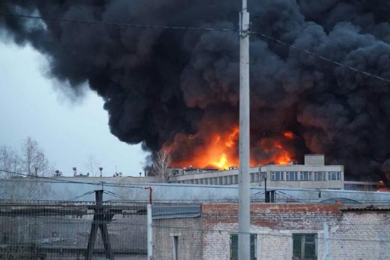 В Красноярске пожар на «Бирюсе» к утру потушат полностью (видео)