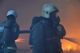 В Красноярске этой ночью спасатели дважды тушили горевший мусор