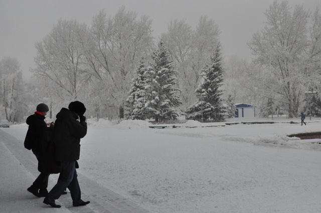 Снег и ветер задержались в Красноярске ещё на сутки