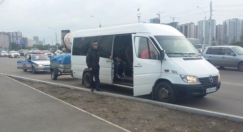 В Красноярске задержан водитель автобуса, перевозивший мигрантов