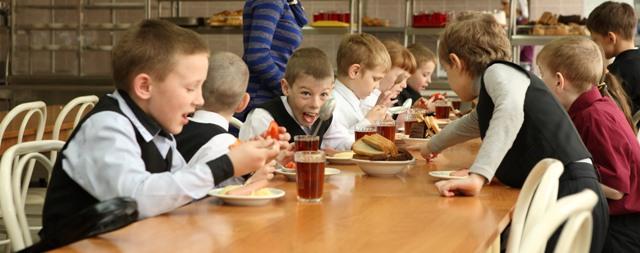 В красноярских школах контролировать качество питания будут тайные покупатели