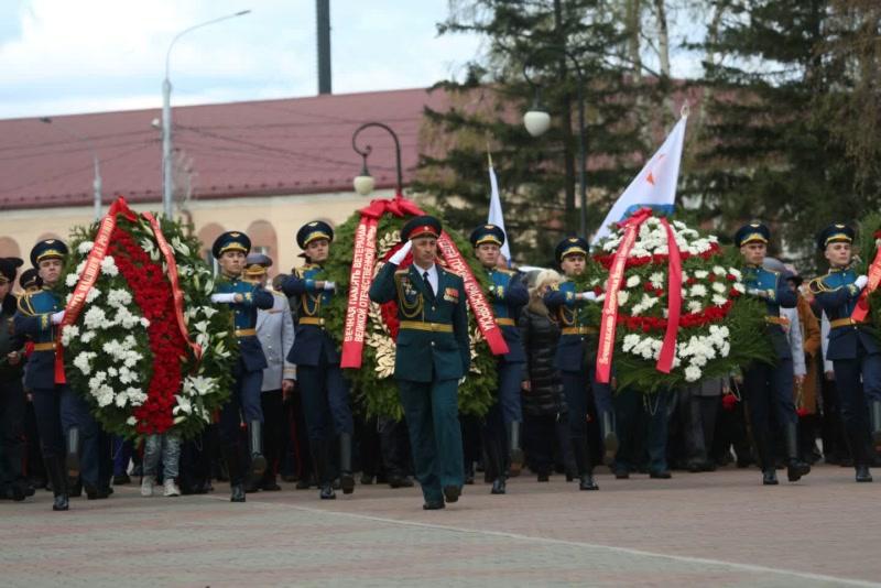 На Мемориале Победы в Красноярске прошёл торжественный митинг