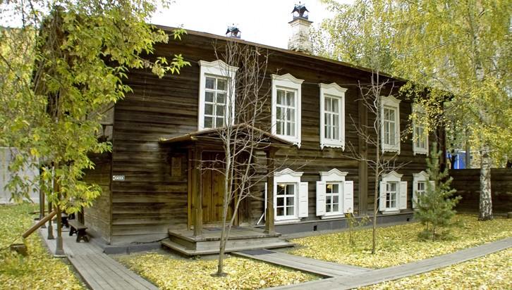 В музее-усадьбе Сурикова откроется юбилейная выставка «Дар бесценный»