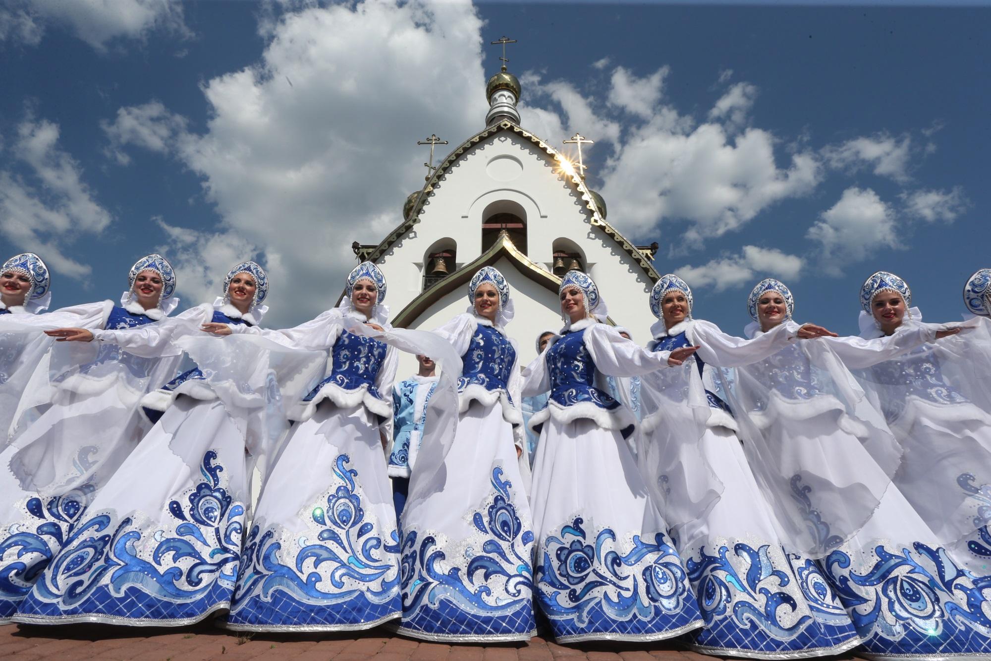 Знаменитый красноярский ансамбль отправится в США