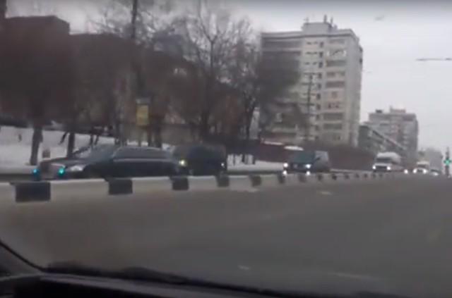 Красноярцы снимают приезд Путина на телефоны
