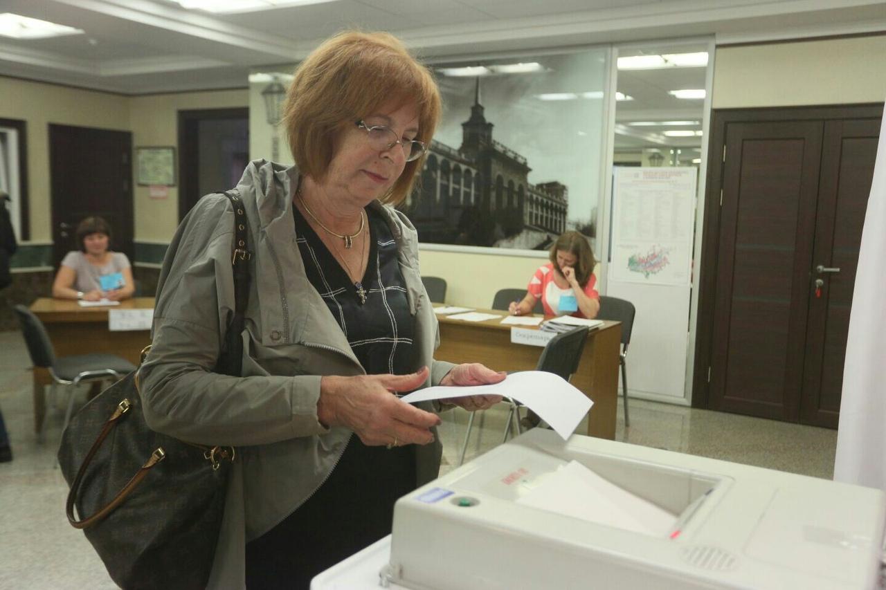 Наталия Фирюлина, советник президента СФУ поделилась детскими воспоминаниями о выборах