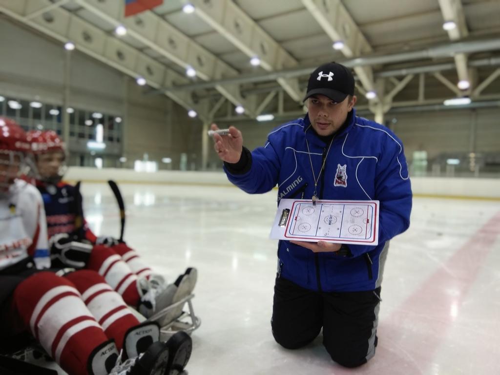 Красноярский тренер Никита Федякин рассказал о разнице российского и американского хоккея