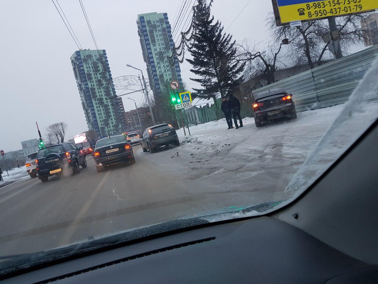 Мелкое ДТП в Красноярске могло обернуться трагедией