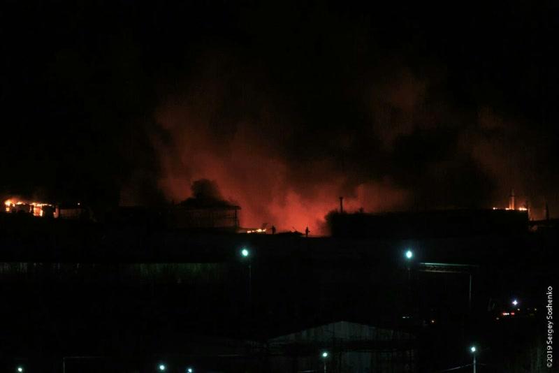 В Красноярске пожар на заводе «Бирюса» локализован
