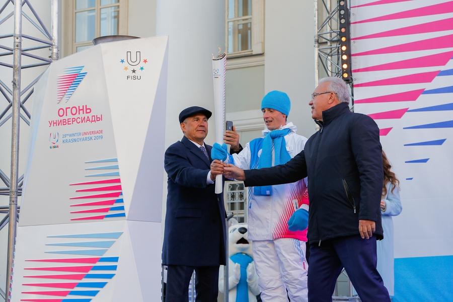 В Казани зажгли факел Универсиады-2019
