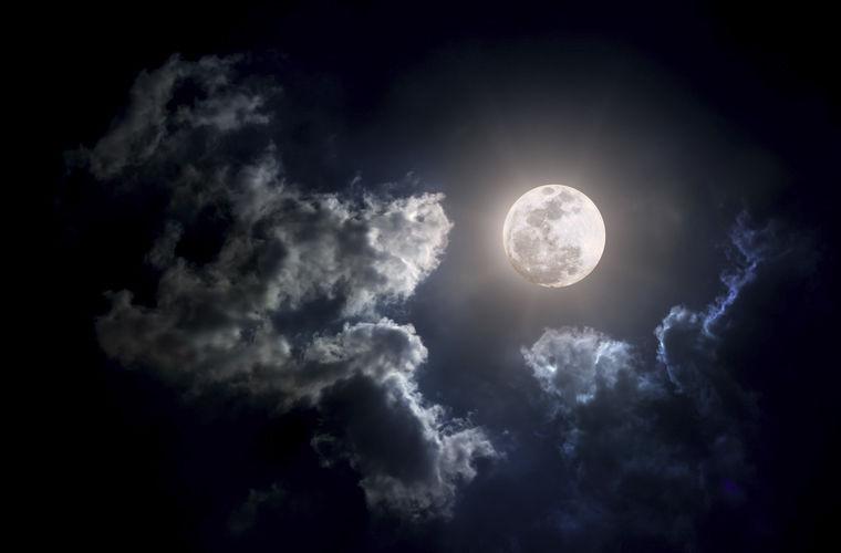 Красноярцев пригласили посмотреть на Марс и Луну