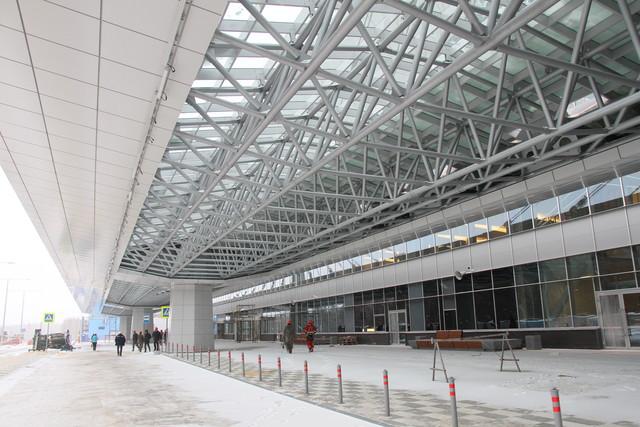 Красноярский аэропорт отменил два рейса из-за сильного мороза