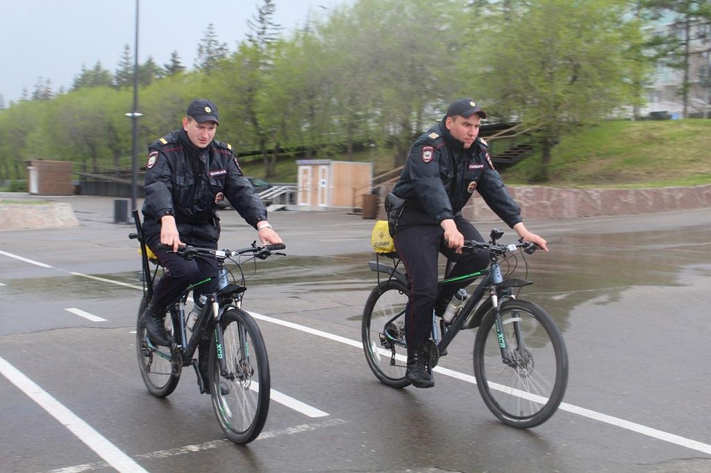 В центре Красноярска начал работать велопатруль
