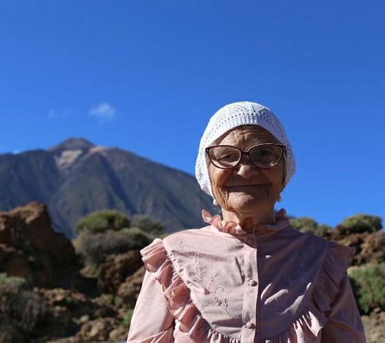 Легендарная красноярская путешественница баба Лена прилетела в Тыву