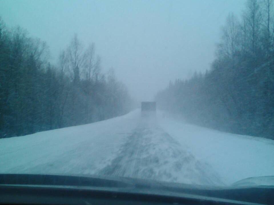 В Красноярском крае из-за снегопада водителей попросили быть осторожнее