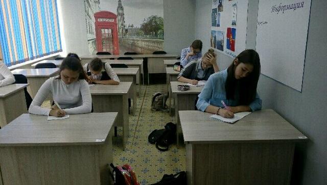 В красноярской школе мальчики и девочки будут обучаться отдельно