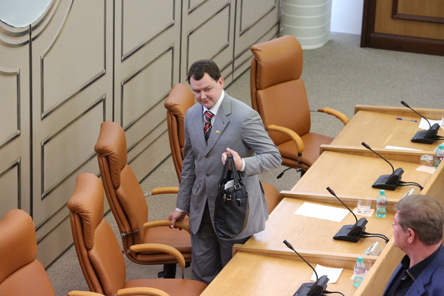 Бывший депутат Аркадий Волков в суде признал свою вину